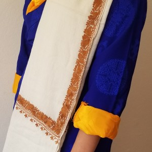 WHITE PASHMINA WITH GOLDEN BOARDER